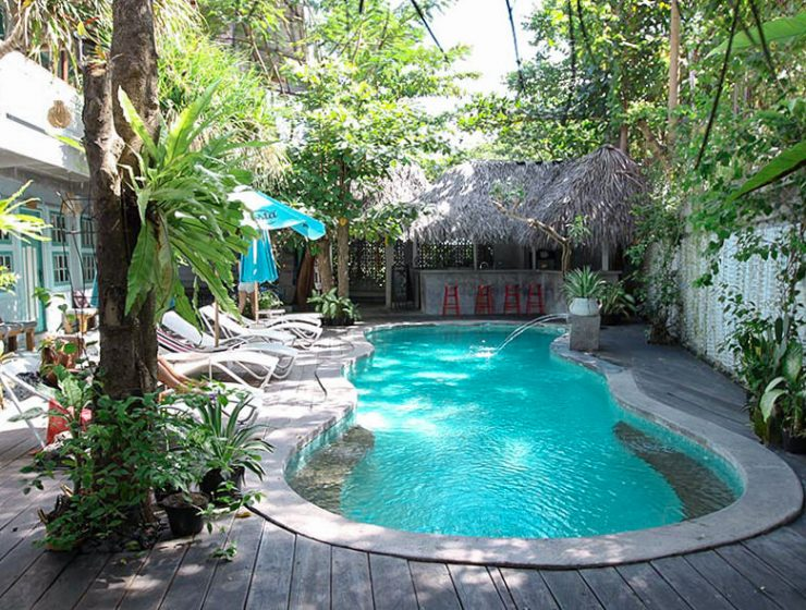 Swimming pool at Kosta Hostel in Seminyak, Bali, Indonesia, photo by Ivan Kralj