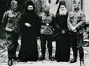 Wehrmacht soldiers and Mount Athos monks posing for a picture on Easter 1941