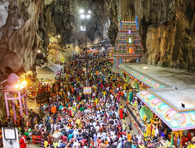Crowds gathering at Hinduistic temples in Batu Caves, Malaysia, during the Thaipusam Festival 2019, photo by Ivan Kralj