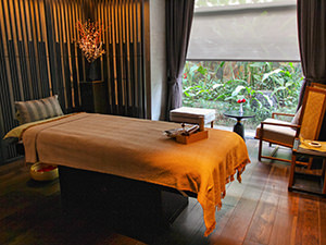 Massage table in The Senses Spa at Crowne Plaza Vientiane, 5 star hotel in Laos capital, photo by Ivan Kralj