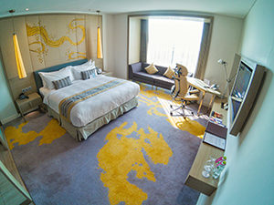 Room in Crowne Plaza Vientiane, 5 star hotel in Laos capital, photo by Ivan Kralj