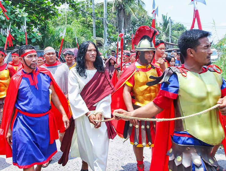 The crucifixion in Pampanga, San Fernando, is the highlight of the Maleldo 2019, Holy Week Philippines, Ruben Enaje playing Jesus for 33rd time, photo by Ivan Kralj