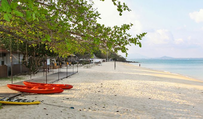 Ao Noi Na, beach in front of the Mooban Talay Resort, Koh Samet, Thailand, photo by Ivan Kralj