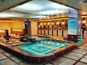 Pools in Jeju Waterworld jjimjilbang / Korean spa on Jeju island, South Korea, photo by Ivan Kralj