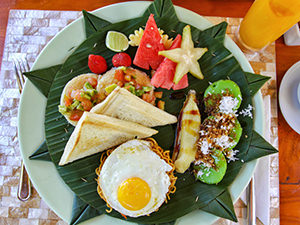 Mimpi breakfast with six different kinds of food at Munduk Moding Plantation, nature resort in Bali, Indonesia, photo by Ivan Kralj